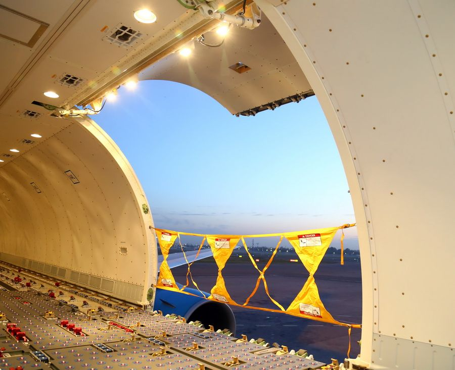 767-300BCF-interior-looking-out-air-freight