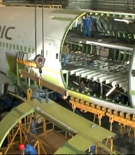 air-freight-video-boeing-747-conversion-to-freighter.png
